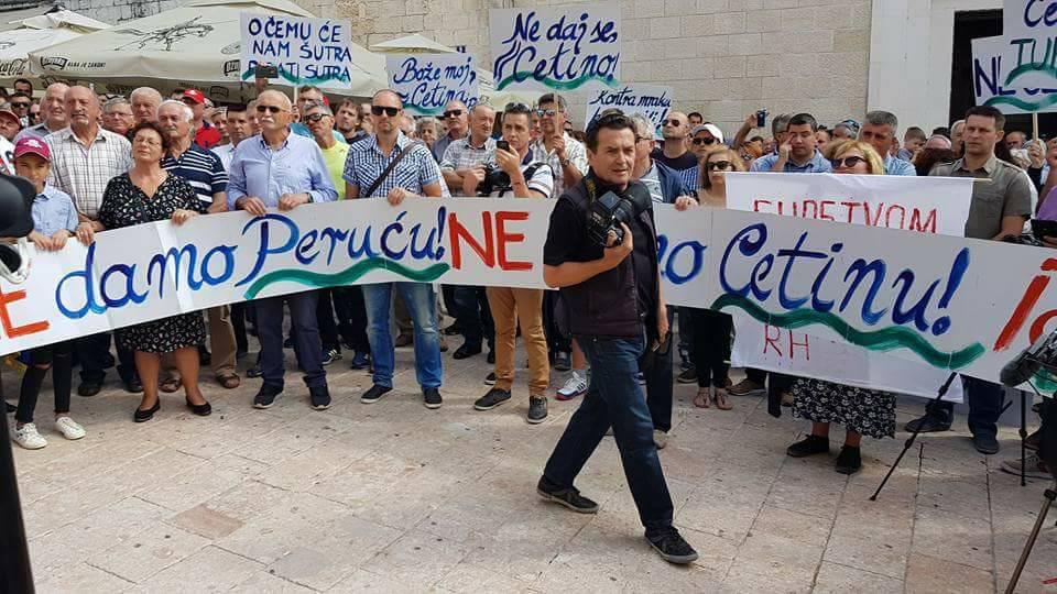 'Spremni smo dati krv protiv termoelektrane na Perući...'