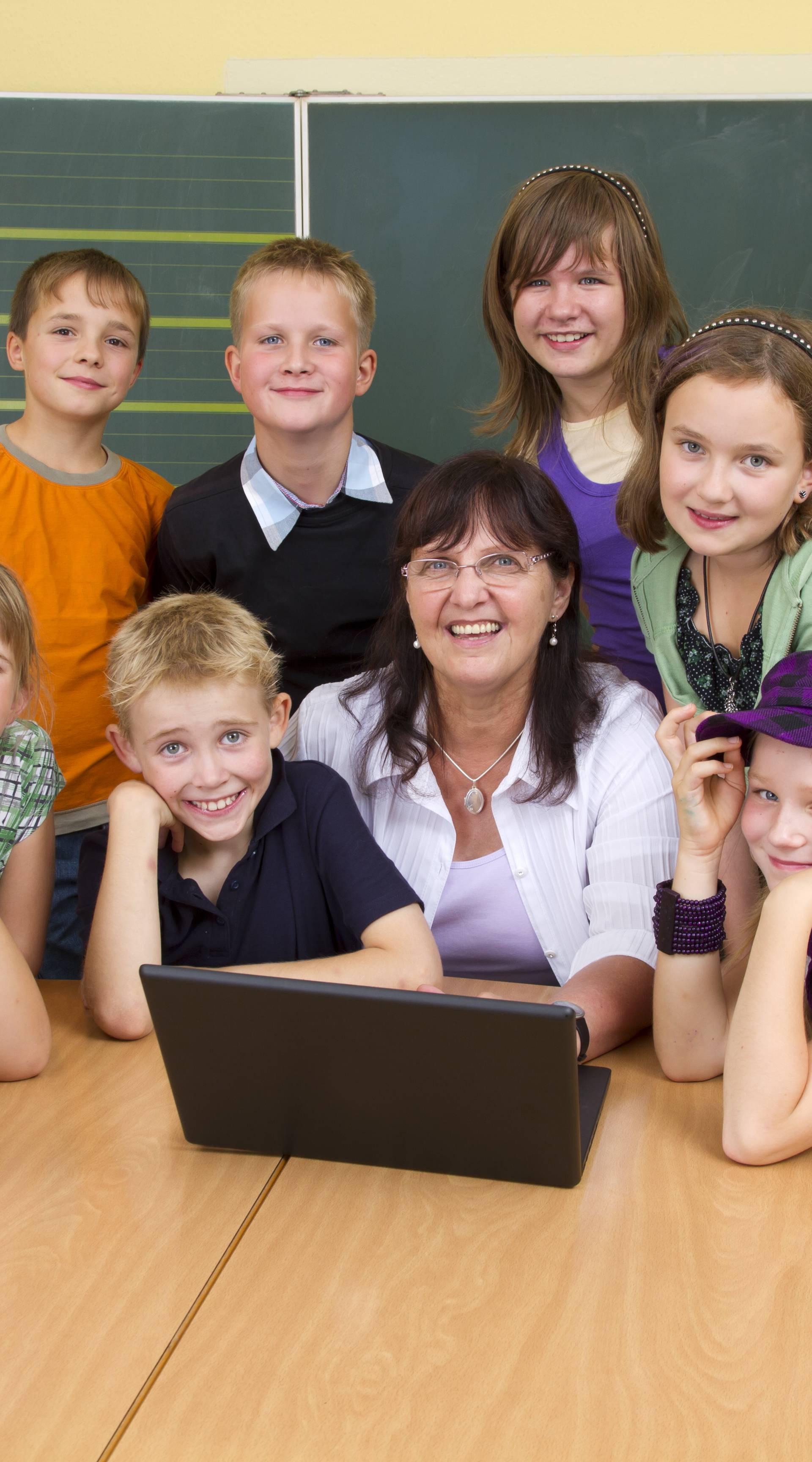 'Učitelje treba poštivati, ali zašto oni ne poštuju nas đake?'