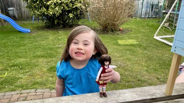Napravili lutkicu po djevojčici s Downovim sindromom: Takve igračke pomažu razviti empatiju