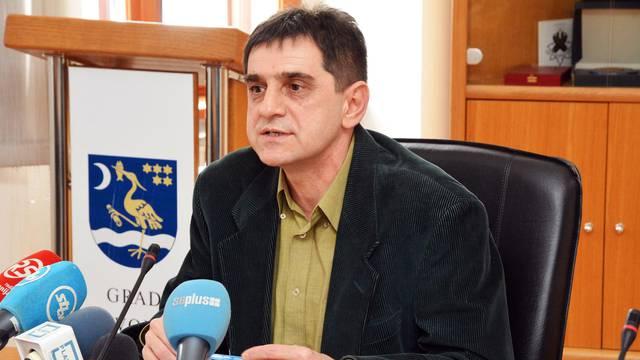 Preminuo Zlatko Markovinović, ravnatelj Gimnazije Matija Mesić u Slavonskom Brodu