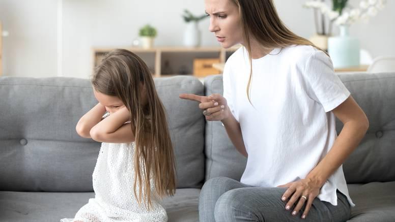 15 znakova da vas je odgojio narcis i kako to utječe na vas