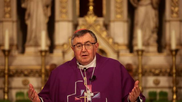 Kardinal Puljić je u nevjerici zbog osuda mise za Bleiburg