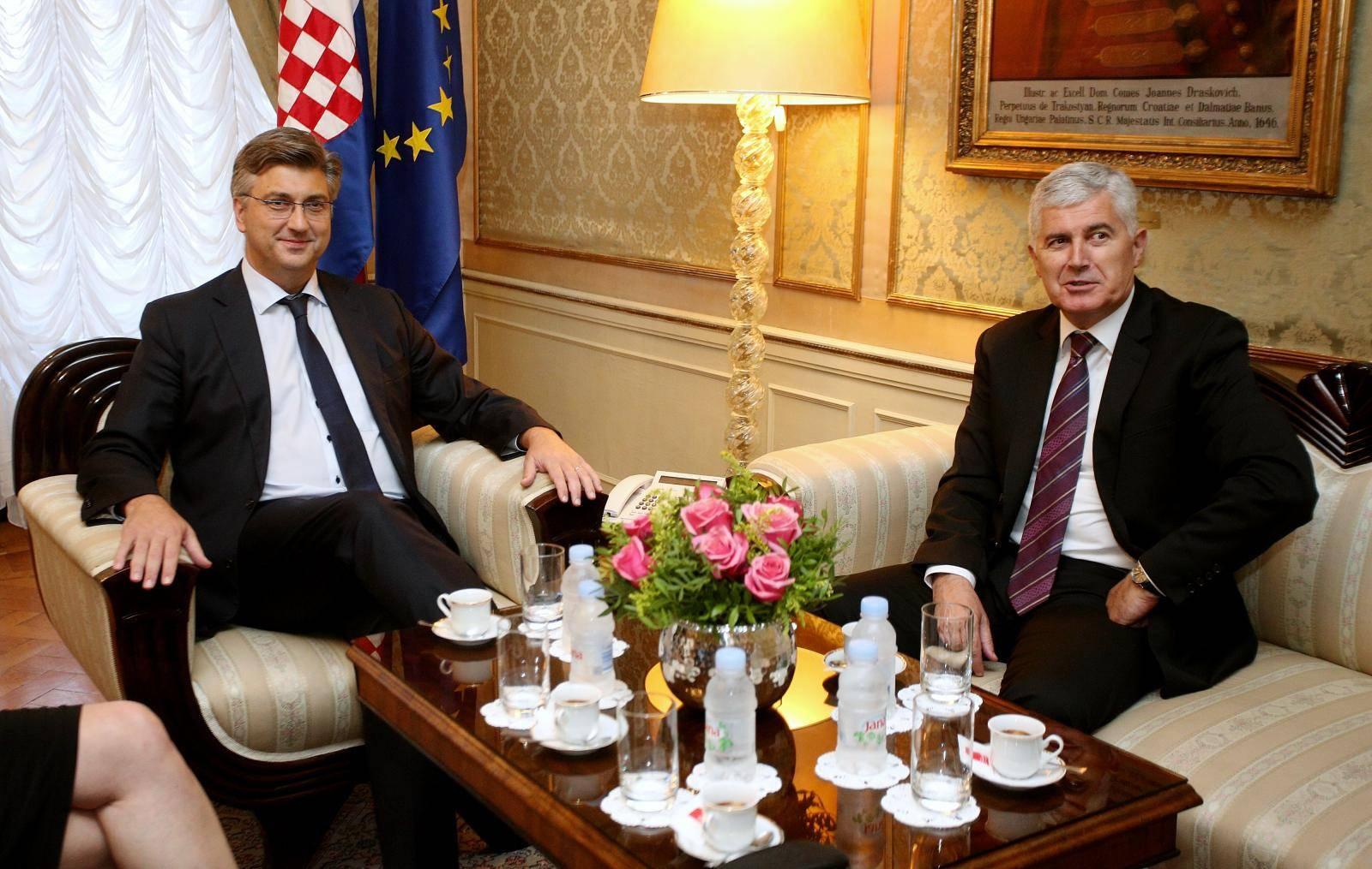 Zagreb: Susret premijera Plenkoviæa i èlana predsjedništva Bosne i Hercegovine Èoviæa