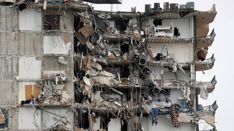 Dok traže žrtve sve je više pitanja oko urušavanja zgrade
