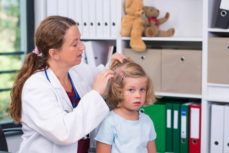 Pronašli ste uši na djetetu: Što napraviti prvo i na što pripaziti