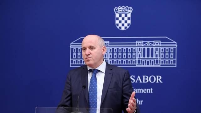 Zagreb: Branko Bačić na konferenciji Kluba zastupnika HDZ-a
