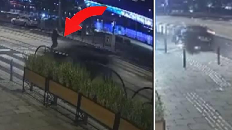 Dramatična snimka iz Srbije: Pješak je u zadnji čas izbjegao smrt, auto doletio poput rakete