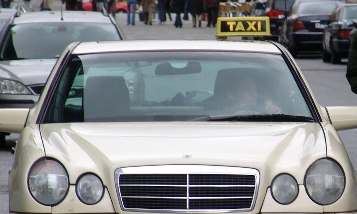 Taksist izbacio majku i dijete s autizmom: 'Pljusak poniženja'