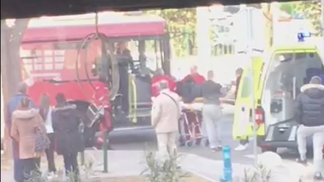 Sudar auta i autobusa u Splitu: Jednu putnicu odveli u bolnicu