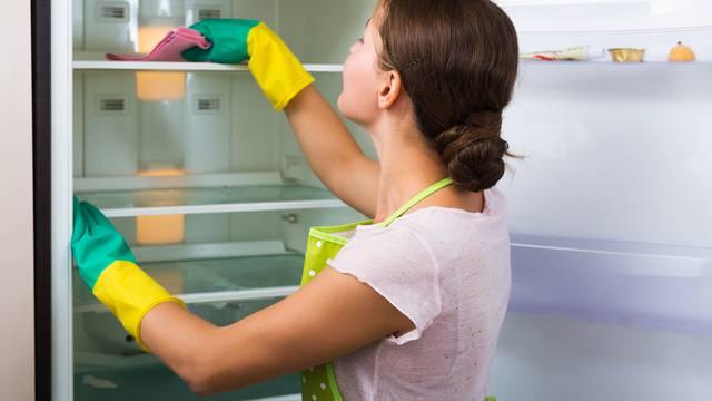 Dubinsko čišćenje hladnjaka je važno raditi svakih par mjeseci