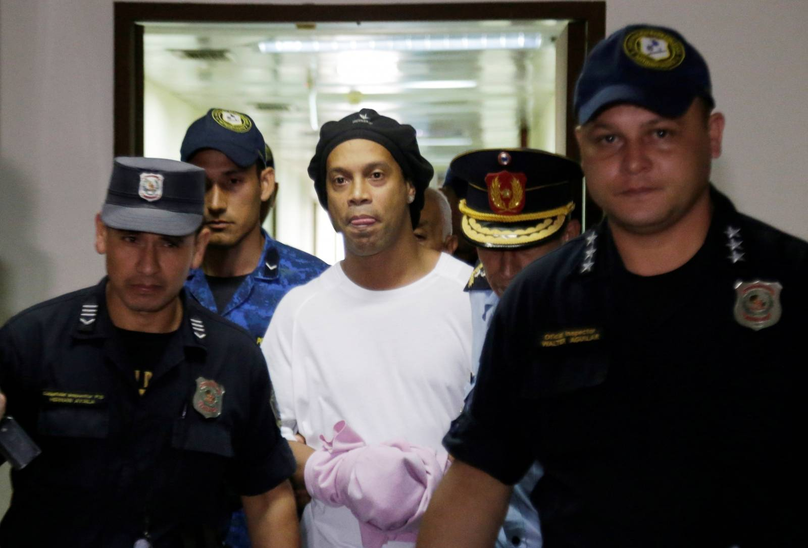 Judge rules Ronaldinho must remain in Paraguayan jail