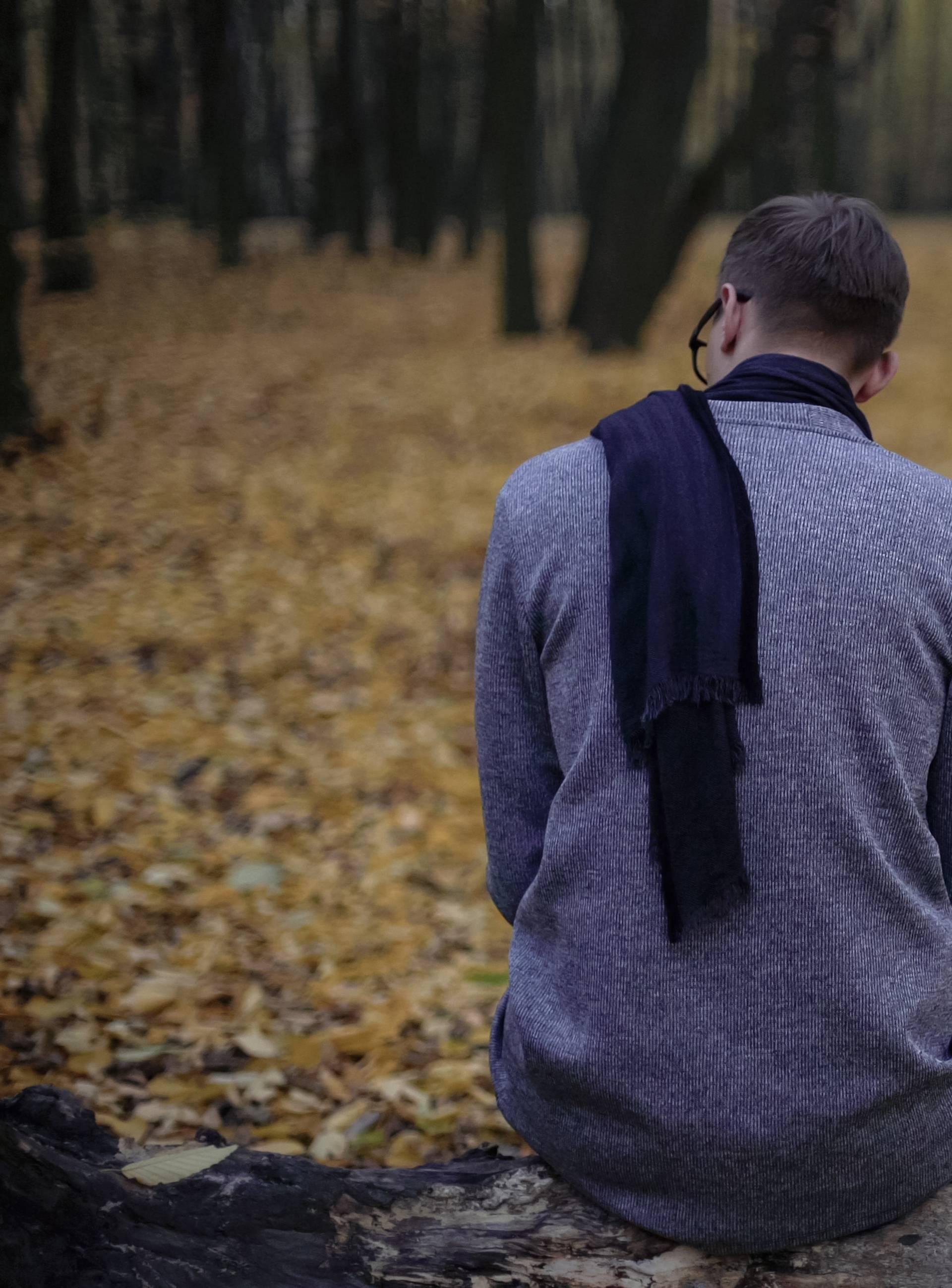 9 znakova da ste usamljeni i trebate se zabrinuti radi njih