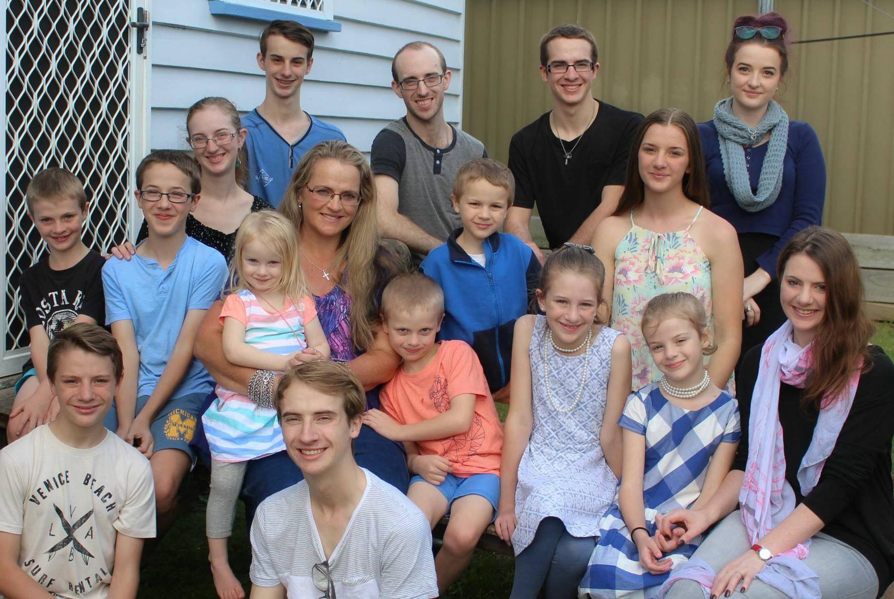 Majka uz 16 djece ima uredan dom - evo kako joj to uspijeva