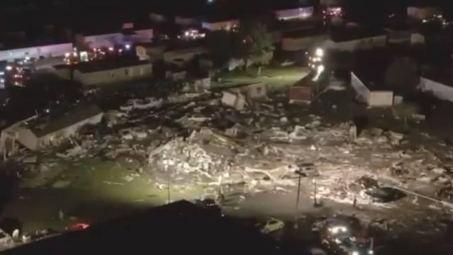 Tornado je u Oklahomi sravnio hotel: Ima mrtvih, 17 nestalih