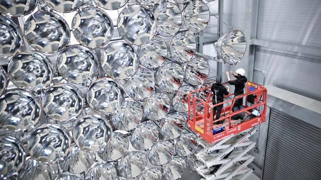 German scientists test world's 'largest artificial sun'