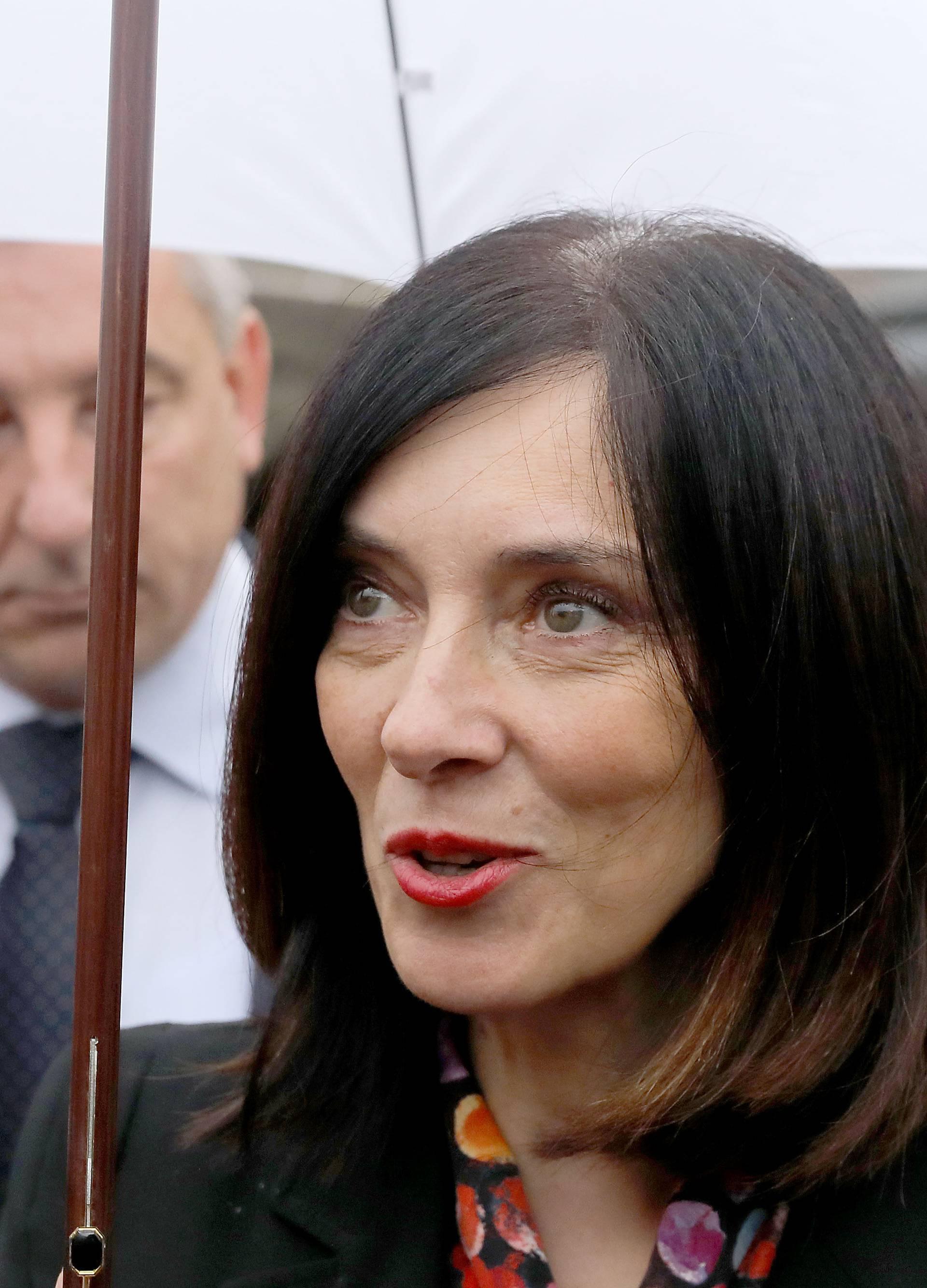 Zagreb: Ministrica Divjak komentirala štrajk učitelja i profesora