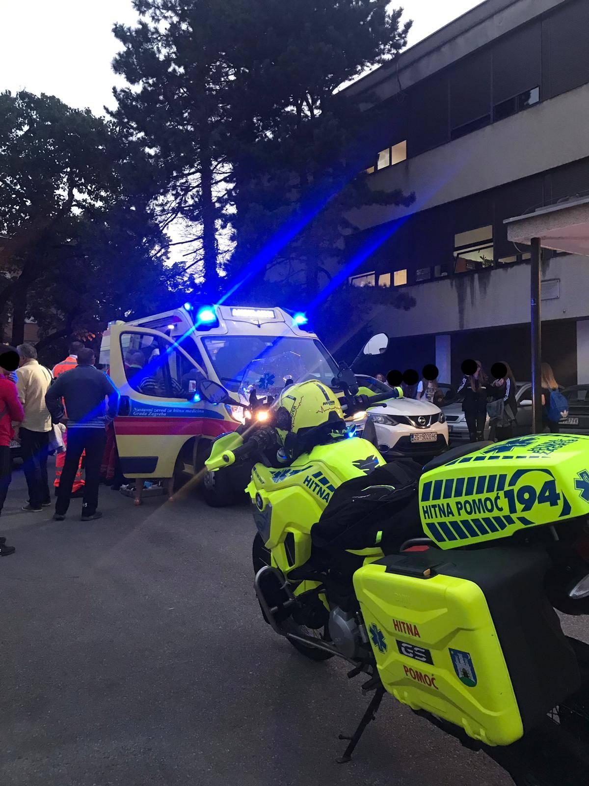 Posljedice bačenog suzavca u školi: Četvero učenika u bolnici
