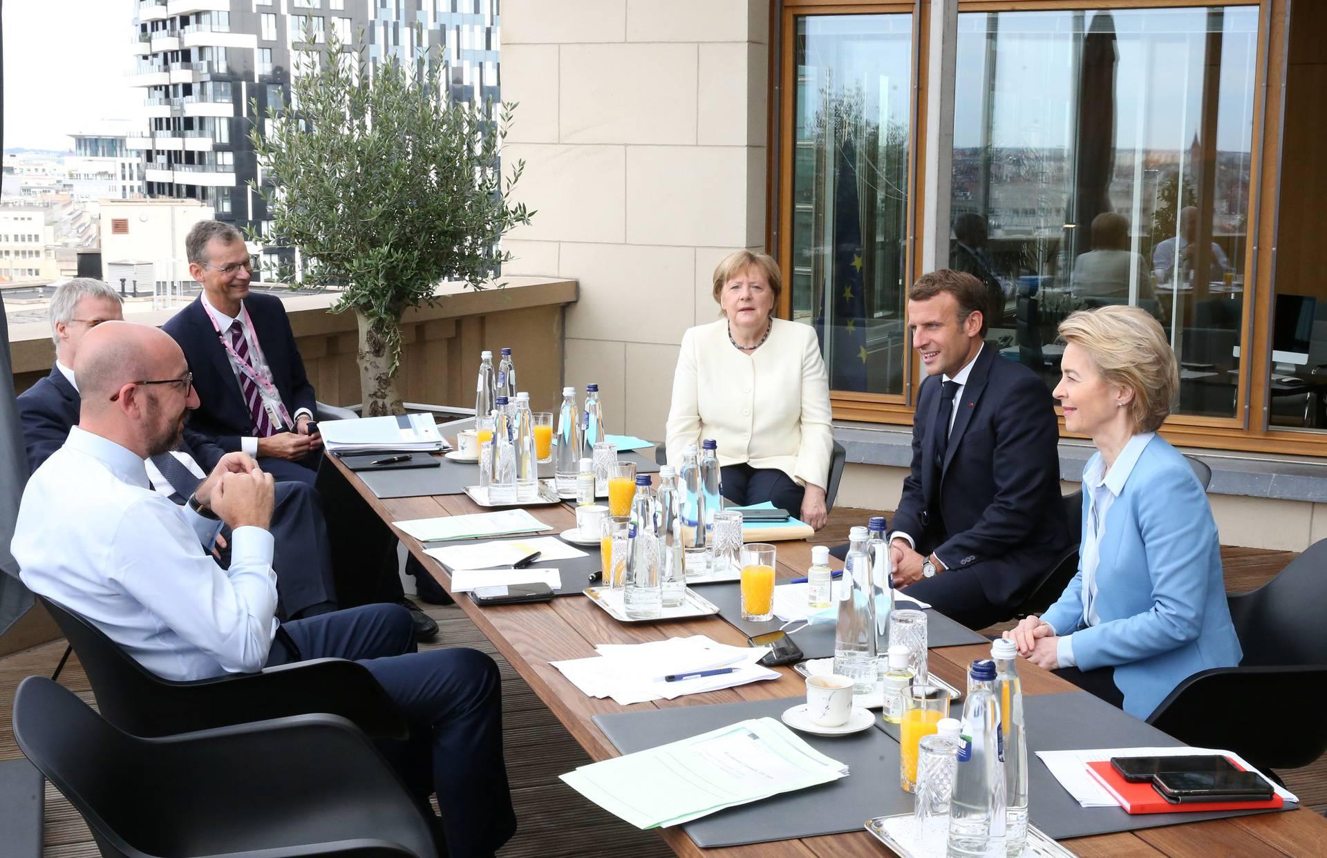Četiri dana čame čekajući: Još bez dogovora o EU milijardama