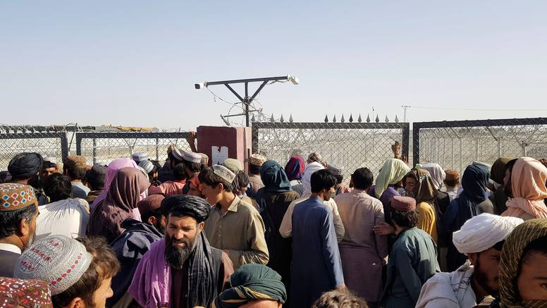 Međunarodna zajednica poziva talibane da dopuste siguran odlazak ljudi iz Afganistana