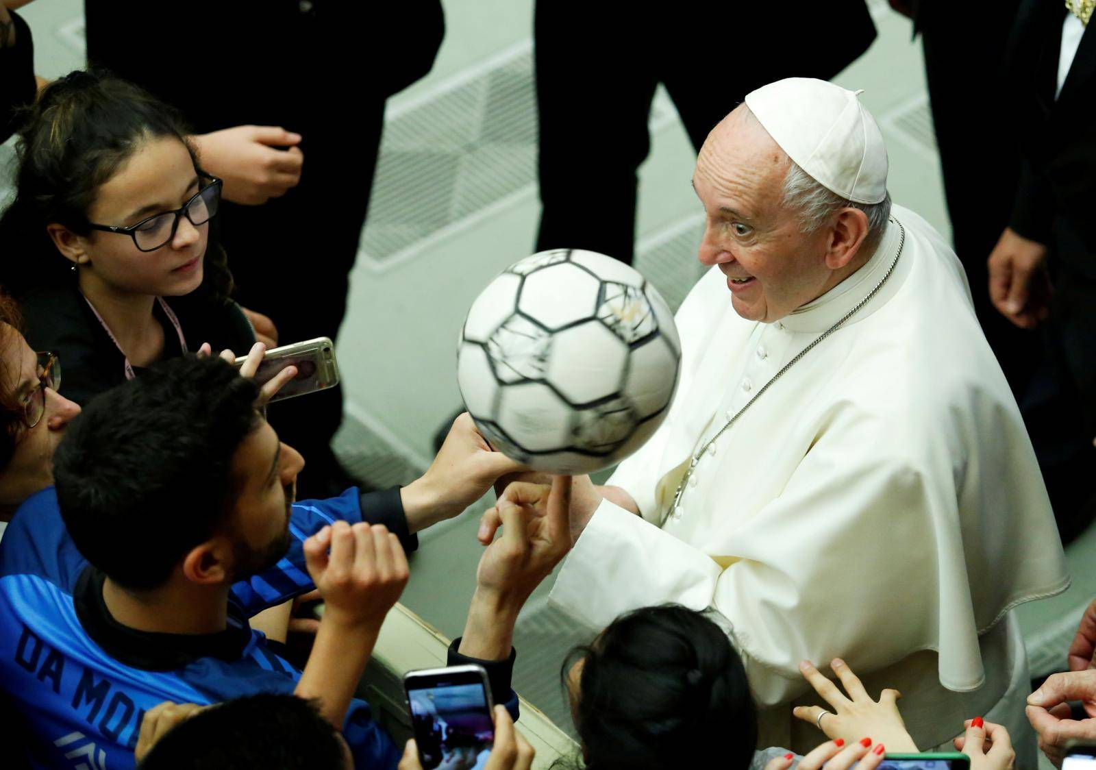 Thousands of soccer-mad kids meet Pope Francis in project to promote sport