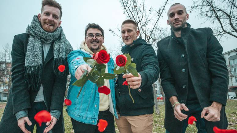 Prijatelji pokrenuli val dobrih vibracija: 'Žene pitaju kad s ružama dolazimo u njihov grad'