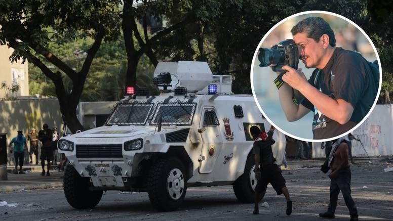 Yuriju su u Venezueli razbili objektiv, spasila ga kaciga