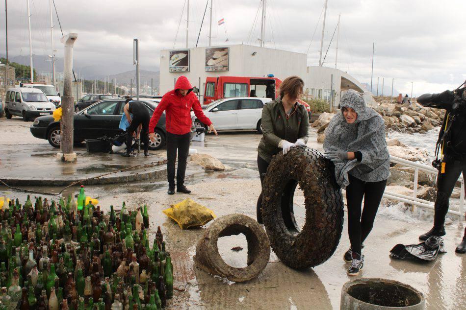 U akciji čišćenja mora u Splitu pronašli i tri kućišta granata