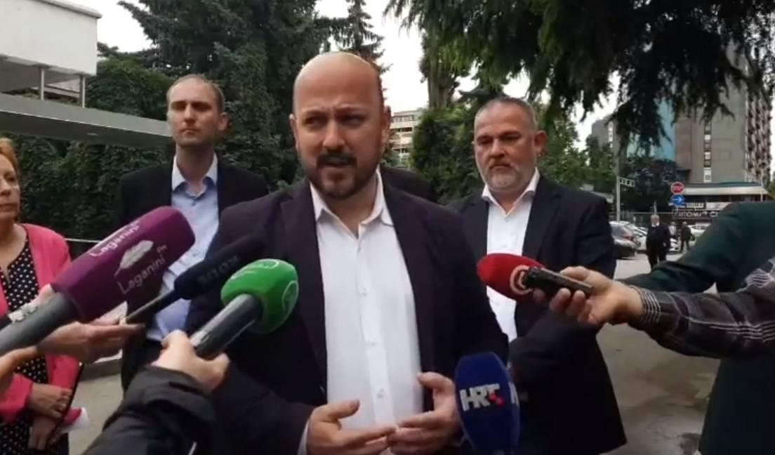 """Zagrepčani zbog Bandića i HDZ-a nemaju zakon o obnovi"""