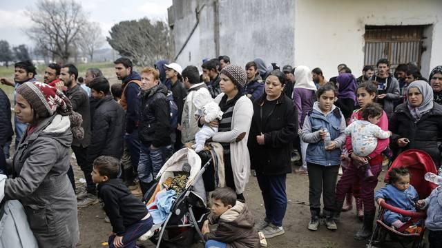 Migranti u prihvatnom centru grupno silovali djevojčicu (7)