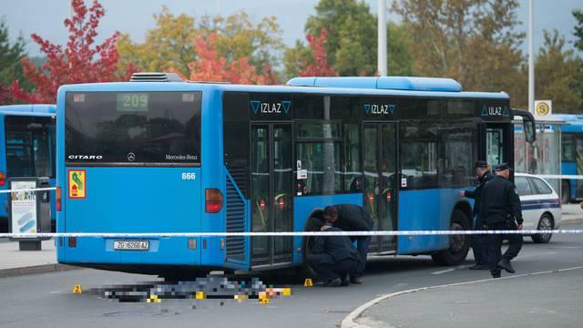 Bus je na okretištu naletio na pješaka, čovjek umro na mjestu