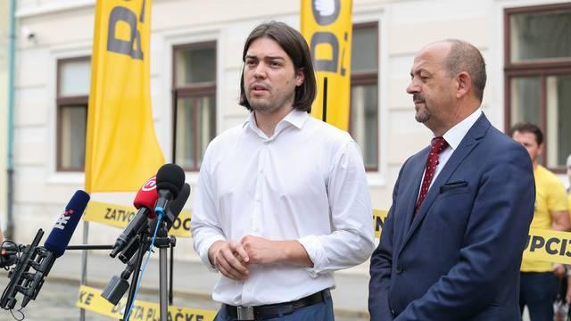 Zagreb: Koalicija Dosta pljačke izvela performans za zatvaranje kampanje