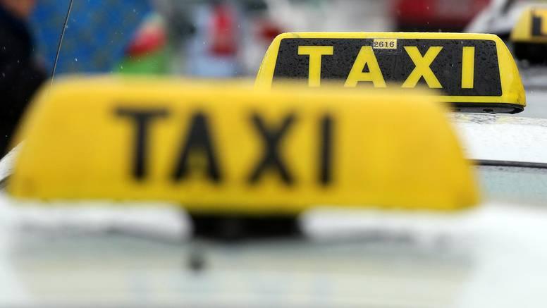 Oni su heroji ulice: Taksijima i autima prevest će vas 'džabe'