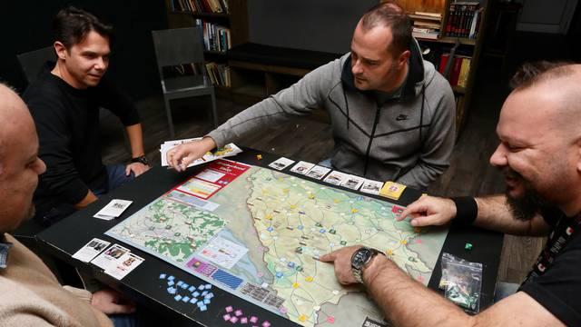 Društvena igra o ratu u BiH sad je hit u Americi: 'Znaš li ti koliko će ovdje pijanih svađa nastat?!'