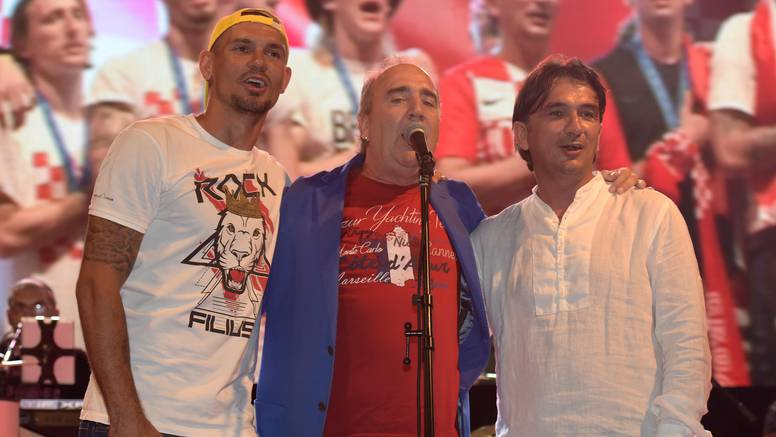 Doček u Novalji: Lovren i Dalić na bini zapjevali s Grdovićem