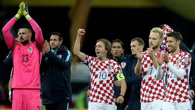 Modrić: Ovako se bori za dres Hrvatske! Navijači, bodrite nas