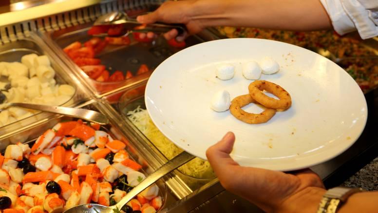 Zaposlenici restorana otkrili sve 'mračne tajne' švedskog stola