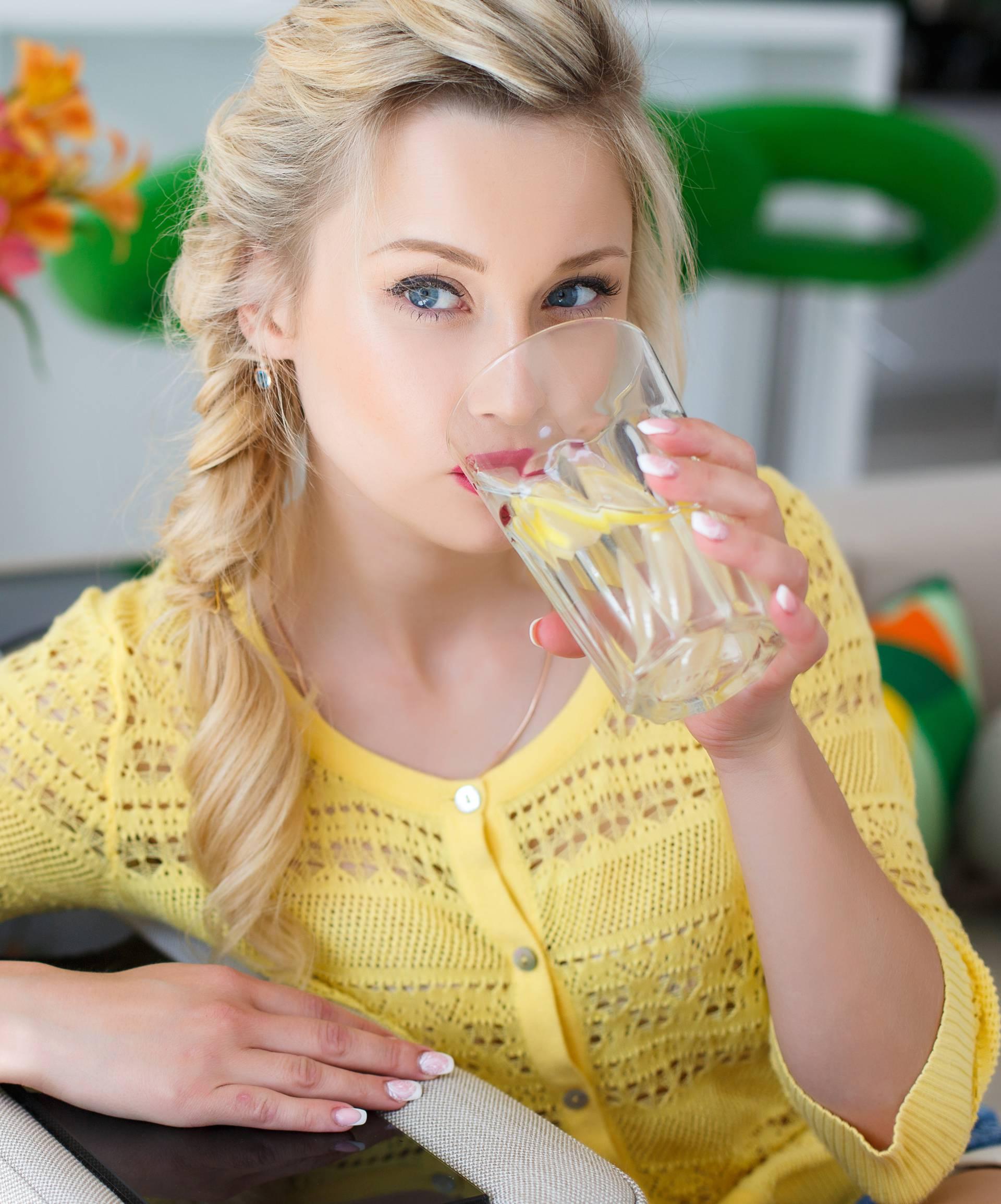 Top savjeti kako prepoznati da pijete premalo vode- pripazite!