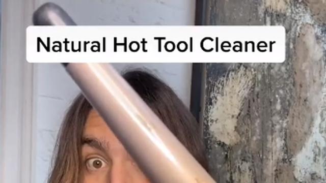 Jednostavan trik kako očistiti peglu za kosu: Treba vam limun