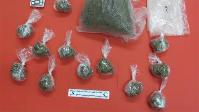 Policija im pronašla marihuanu, ecstasy, digitalnu vagu i novce