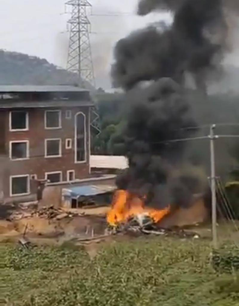 Srušio se kineski vojni avion, pogodila ga tajvanska vojska?