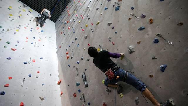 Švicarac (16) teško ozlijeđen, pao s umjetne stijene u Fažani