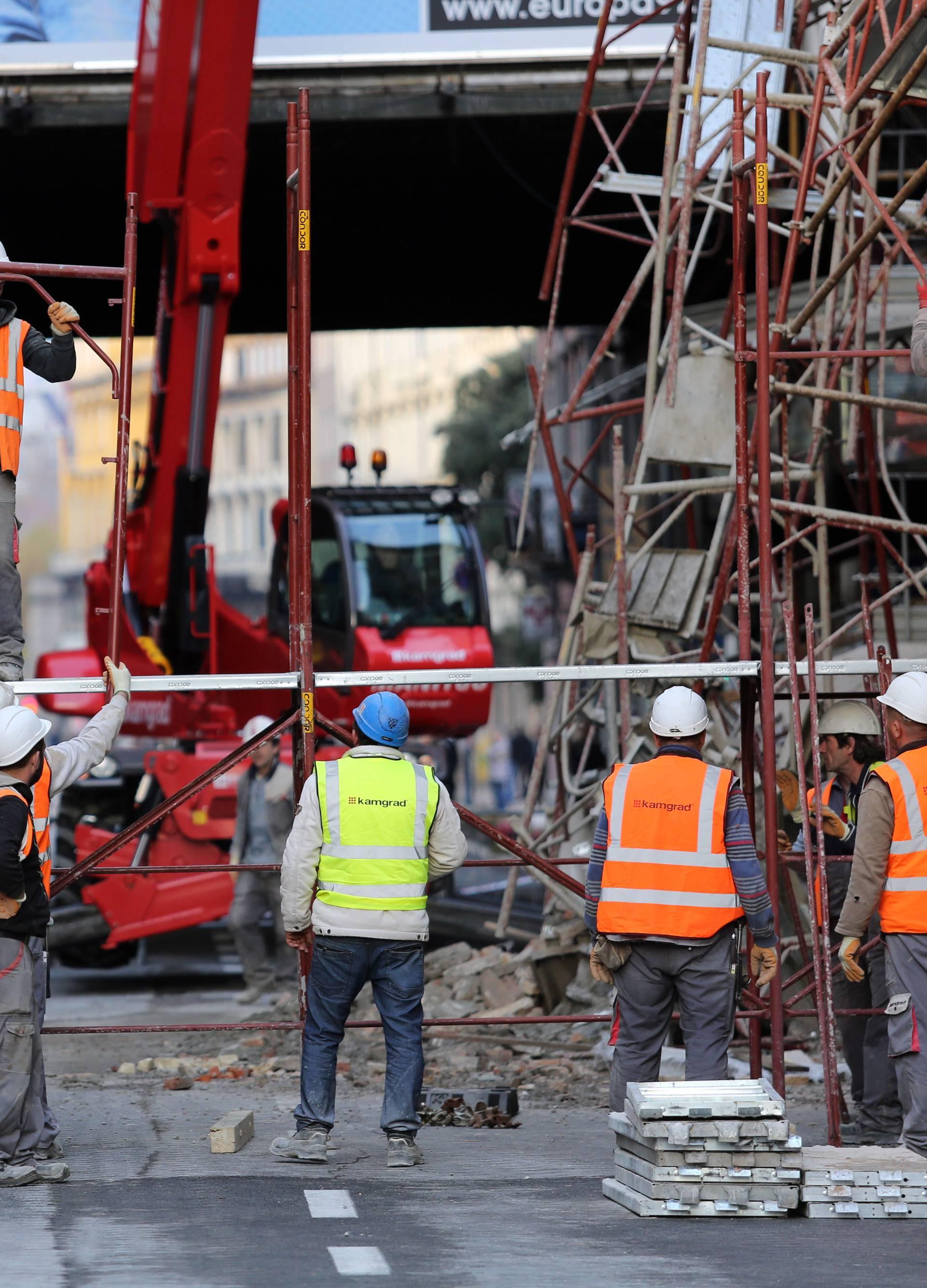 Rijeka: Počela demontaža urušene skele