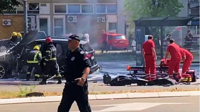 Raznijeli džip u Beogradu, vozač ostao bez noge. Umro u bolnici. U automobilu bila i Kolumbijka