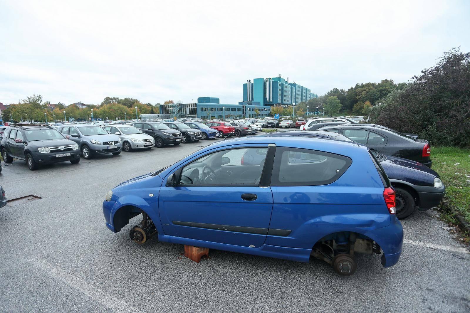 Liječnicama u Dubravi u dva su dana ukrali čak osam kotača...