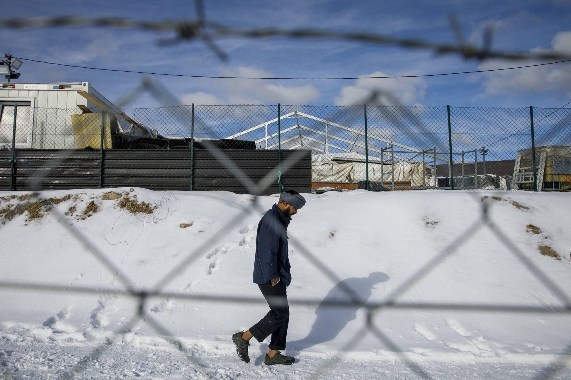 Teška zima u migrantskom kampu Lipa nedaleko Bihaća