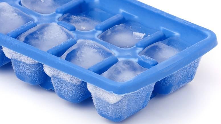 Trik kako dobiti kockice leda u zamrzivaču - brže nego znate