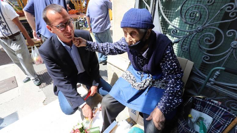 Baka Kata ima 100 godina, a još na placu prodaje voće i cvijeće: 'Zemlja mi je sve dala'