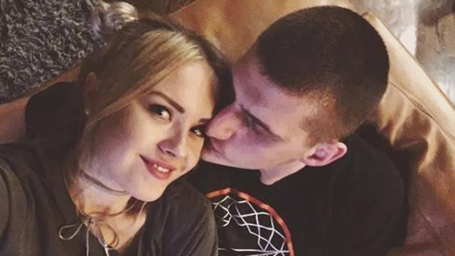 Srpski košarkaš Jokić je oženio dugogodišnju djevojku Nataliju