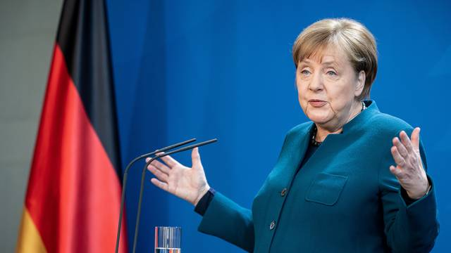 Angela Merkel pozvala Kinu da se otvori za strane ulagače