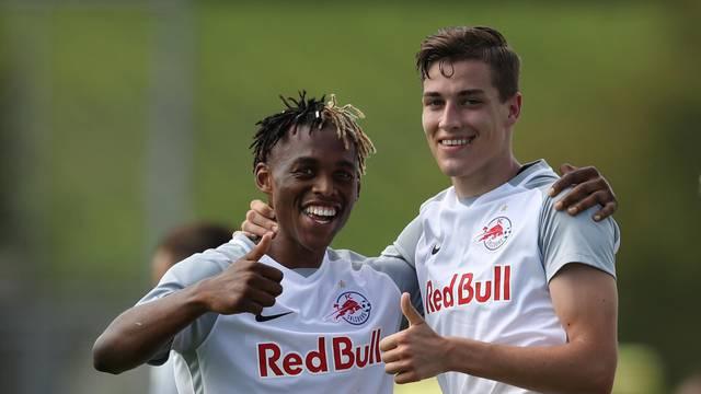 Salzburg U19 v Olympique Lyonnais U19 - UEFA Youth League - Colovray Sports Centre
